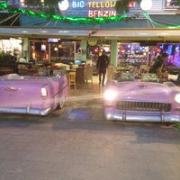 Photo taken at Big Yellow Taxi Benzin by Erhan emir A. on 11/13/2014