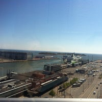 Photo taken at West Harbour / West Terminal by Виктория К. on 5/22/2014