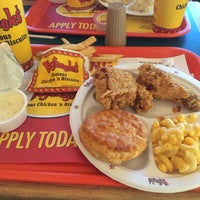 Photo taken at Bojangles' Famous Chicken 'n Biscuits by Milly M. on 11/5/2016