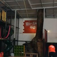 Foto tomada en Monas Fun & Food por Maricarmen M. el 9/19/2016