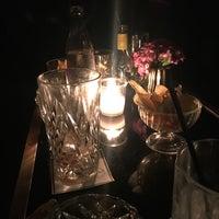 Das Foto wurde bei Roberto American Bar von Anastasia am 2/3/2018 aufgenommen