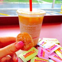 Photo taken at Dunkin' Donuts by Елена К. on 9/6/2016