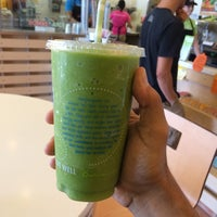 Photo taken at Robeks Fresh Juices & Smoothies by Majed . on 9/12/2014