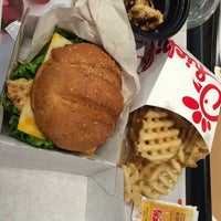 Photo taken at Chick-fil-A Lakewood by Majed . on 11/25/2014