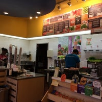 Photo taken at Robeks Fresh Juices & Smoothies by Majed . on 9/5/2014