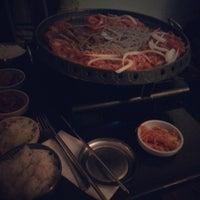 Das Foto wurde bei Juki - Korean BBQ and Soju Bar von Juan Manuel S. am 10/3/2013 aufgenommen