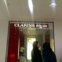 Photo taken at the clarins skin spa by GAB ➰. on 12/27/2014