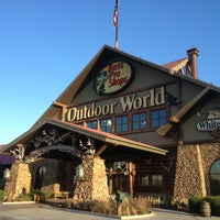 Photo taken at Bass Pro Shops by Curtis C. F. on 1/8/2013