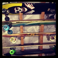 Foto tirada no(a) Independent Outlet Skateboards Amsterdam por Kes B. em 1/20/2013