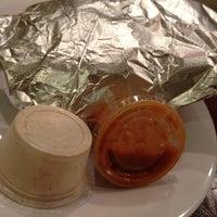 Das Foto wurde bei Omar's Mediterranean Cuisine & Bakery von victoria x. am 12/1/2012 aufgenommen