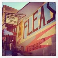 Foto tomada en Artist & Fleas por Kristen H. el 4/21/2013