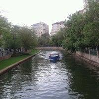 รูปภาพถ่ายที่ Porsuk Çayı โดย Kemal B. เมื่อ 5/11/2013