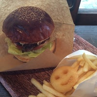 Photo taken at HOLLYWOOD BURGER by Yumiko Y. on 7/10/2014