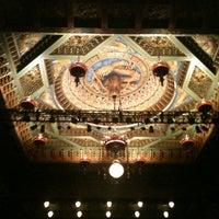 Photo prise au The 5th Avenue Theatre par Shawn N. le10/6/2012
