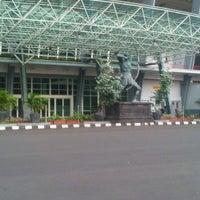 Photo taken at Istora Gelora Bung Karno (Istora Senayan) by Prasasti P. on 2/2/2013