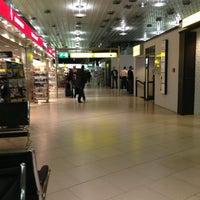 Foto tirada no(a) Terminal A por Werner S. em 3/8/2013