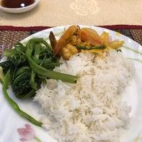 Photo taken at Sorya Restaurant Phnom Penh by 糸魚川 勝. on 10/13/2016
