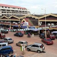 Photo taken at Pasar Payang by Azahar I. on 5/12/2013
