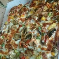Photo taken at Pizza 20 | پیتزا بیست by Navid B. on 1/9/2016