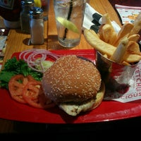 Photo taken at Red Robin Gourmet Burgers by Gaurav C. on 9/12/2014