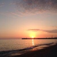 Снимок сделан в Пляж Олимпийского парка пользователем Ruzaniya V. 6/30/2014