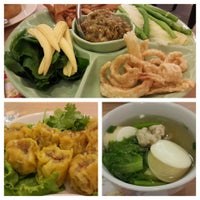 Photo taken at Banana Leaf by Niphon L. on 4/15/2014