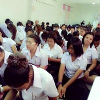 Photo taken at คณะศิลปศาสตร์ มหาวิทยาลัยกรุงเทพธนบุรี by Suthasinee W. on 6/2/2013
