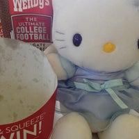 Photo taken at Wendy's by Jesenia B. on 10/11/2012