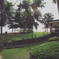 Photo taken at Nangthong Bay Resort by 🌟Mioguy P. on 7/18/2016
