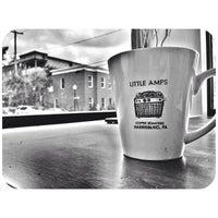 Foto tomada en Little Amps Coffee Roasters por Evan S. el 6/8/2013