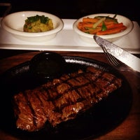 Photo taken at TGI Fridays - Mall Multiplaza by Manuel A. on 7/23/2014