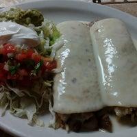 Foto diambil di La Fiesta Restaurante Mexicano oleh La Fiesta Restaurante Mexicano pada 7/2/2014