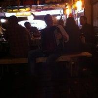 Photo prise au Treff Pub Alemán par Alex Q. le10/26/2014