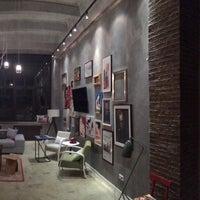 5/25/2014 tarihinde Studio 212ziyaretçi tarafından Studio 212'de çekilen fotoğraf