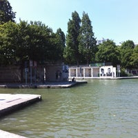 Photo taken at Canal de l'Ourcq by gaïton on 7/20/2013