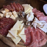 1/19/2014에 David D.님이 San Matteo Pizza Espresso Bar에서 찍은 사진