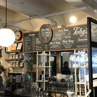 Photo prise au Toby's Estate Coffee par Scott Kleinberg le5/17/2018
