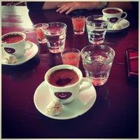 7/17/2013 tarihinde Gizem E.ziyaretçi tarafından Eski Kahve'de çekilen fotoğraf