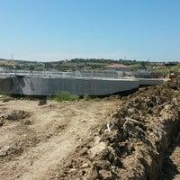 Photo taken at İlbank Gelibolu Atıksu Arıtma Tesisi Şantiyesi by Uğur ş. on 5/26/2014