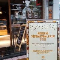 9/28/2017 tarihinde Kaan Ö.ziyaretçi tarafından Ruudo Coffee & Bakery'de çekilen fotoğraf