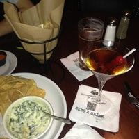 Photo taken at Bar Louie by Leah B. on 1/9/2013