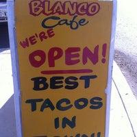 2/2/2013 tarihinde Mat X.ziyaretçi tarafından Blanco Cafe'de çekilen fotoğraf