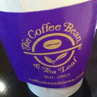 Photo taken at The Coffee Bean & Tea Leaf by Reina P. on 4/6/2013