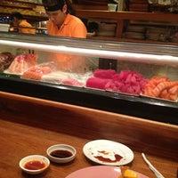 Photo taken at Sushi 'n Thai by Gustavo T. on 4/5/2013