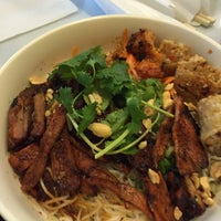 Photo taken at Pho Duy 6 by Ly T. on 11/25/2014