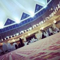 Photo taken at Masjid Negara (National Mosque) by Keiko E. on 7/9/2013
