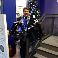 11/23/2013에 Knut-Arne F.님이 Everton Two Official Club Store에서 찍은 사진