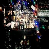 5/4/2016 tarihinde Sandy Jose N.ziyaretçi tarafından Holiday Cocktail Lounge'de çekilen fotoğraf
