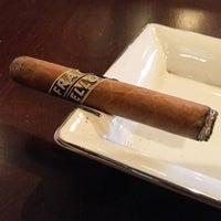 Снимок сделан в Buckhead Cigar Club пользователем Brian H. 5/2/2017