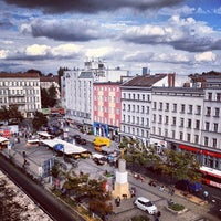 Das Foto wurde bei Pufferimbiss am Hermannplatz von avtoportret am 9/4/2013 aufgenommen